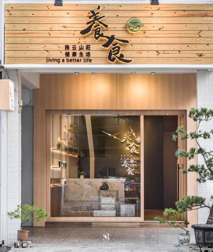養食|Living-a-better-life Organic Grocery:  前門 by 理絲室內設計有限公司 Ris Interior Design Co., Ltd.