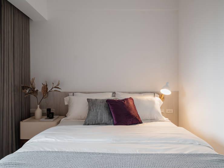 Dormitorios de estilo  de 築川設計, Escandinavo