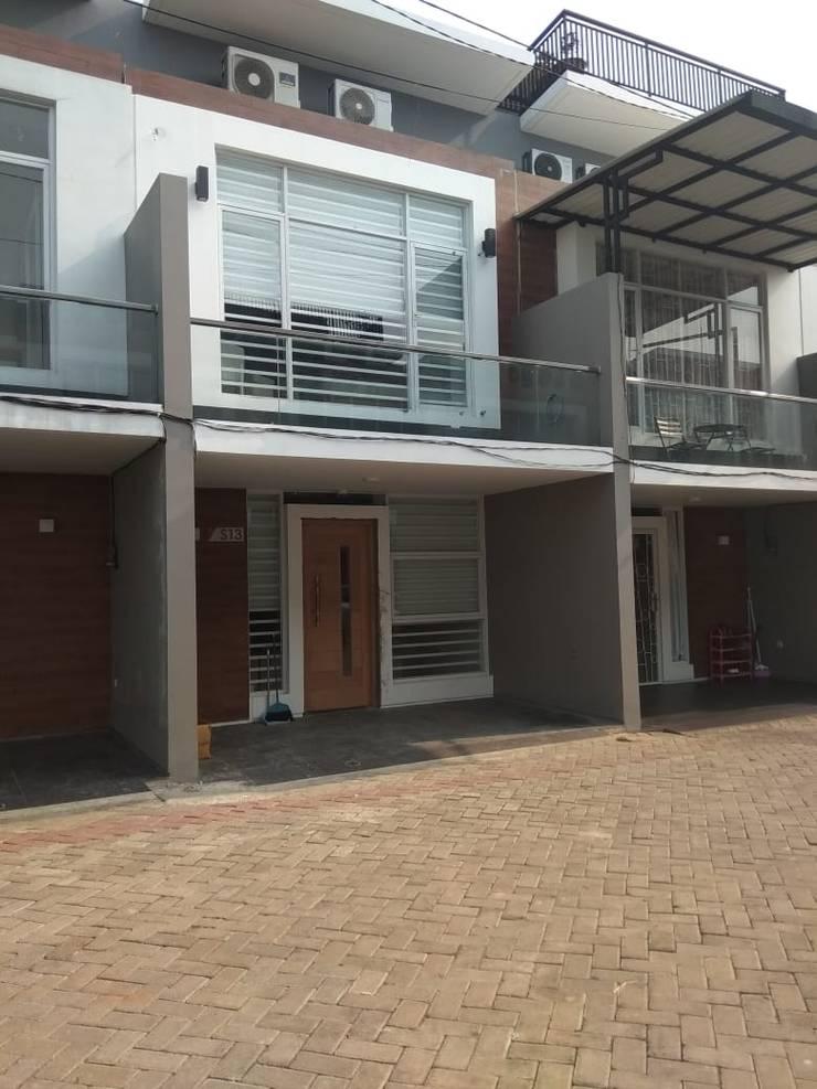 Houses by Dekapolis Design