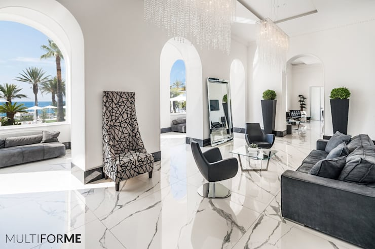 Crystal Chandeliers and Murano Chandeliers for Luxury Hotel in Sanremo: Гостиницы в . Автор – MULTIFORME® lighting