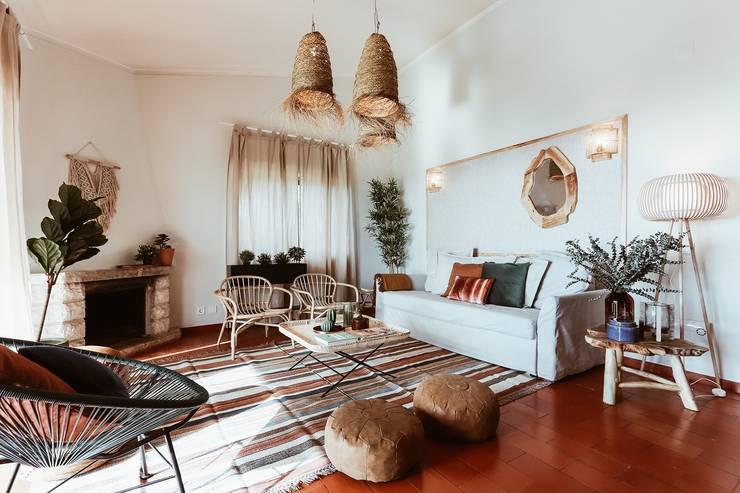Woonkamer door Rafaela Fraga Brás Design de Interiores & Homestyling
