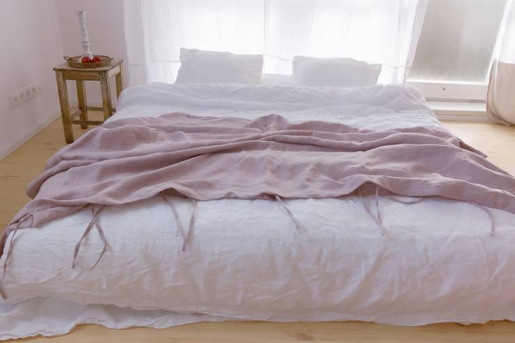 Bedroom by Dom Artystyczny