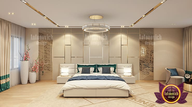 Huge Luxurious Bedroom Interior:   by Luxury Antonovich Design