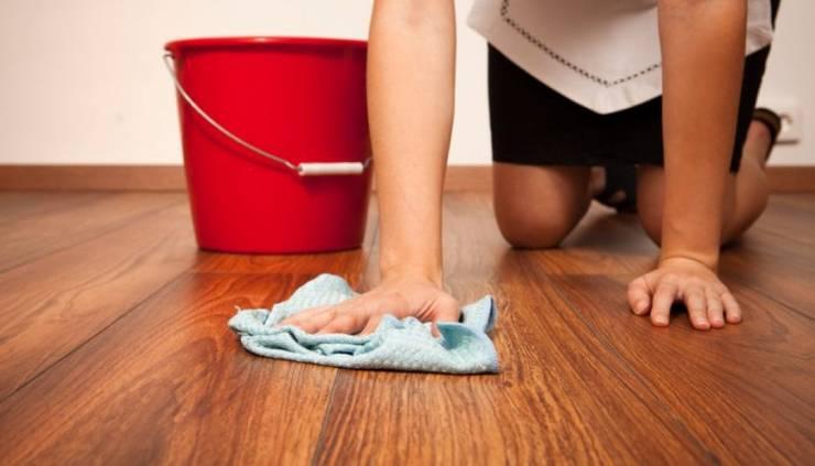 Tuyệt Chiêu 5 Trong 1 Giúp Làm Sạch Sàn Gỗ - Đơn Giản - Hiệu Quả:   by Kho Sàn Gỗ An Pha