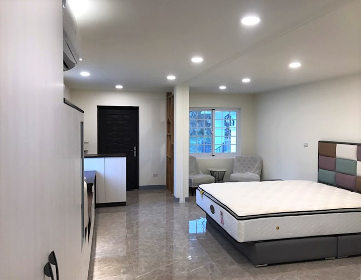 Phòng ngủ phong cách Bắc Âu bởi 築地岩移動宅 Bắc Âu