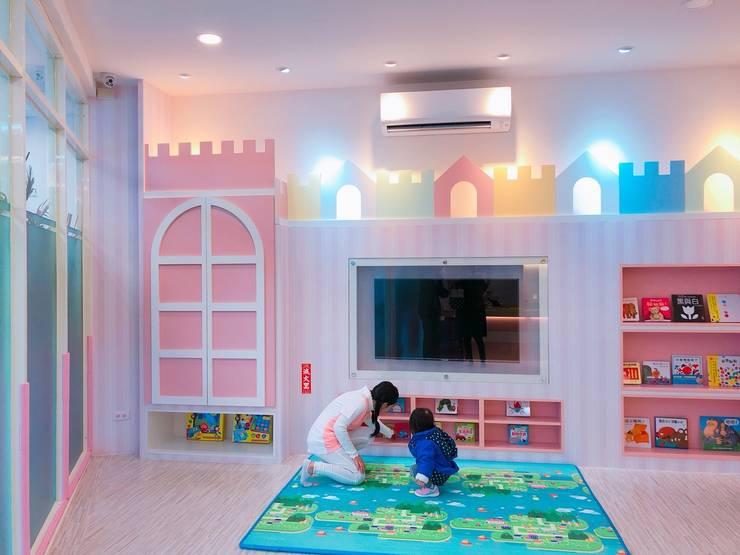 小朋友交誼廳:  學校 by 藏私系統傢俱