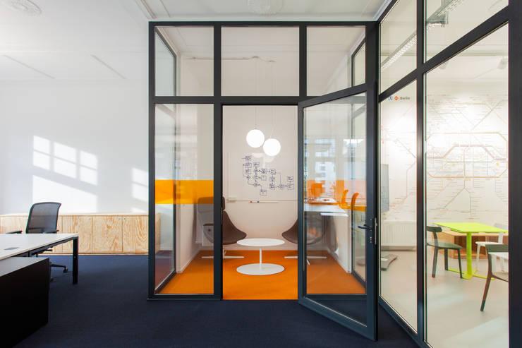 Tech Start-Up in Berlin:  Geschäftsräume & Stores von IONDESIGN GmbH,Industrial