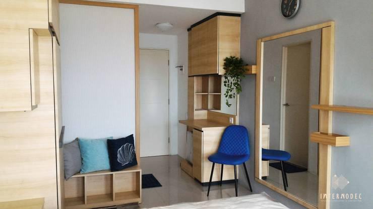 Pintu masuk:  Koridor dan lorong by Internodec