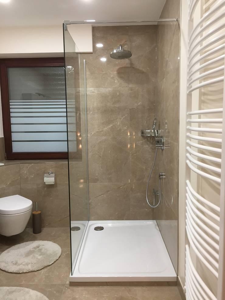 Modernes Bad im Marmor-Stil von LifeStyle Bäderstudio | homify