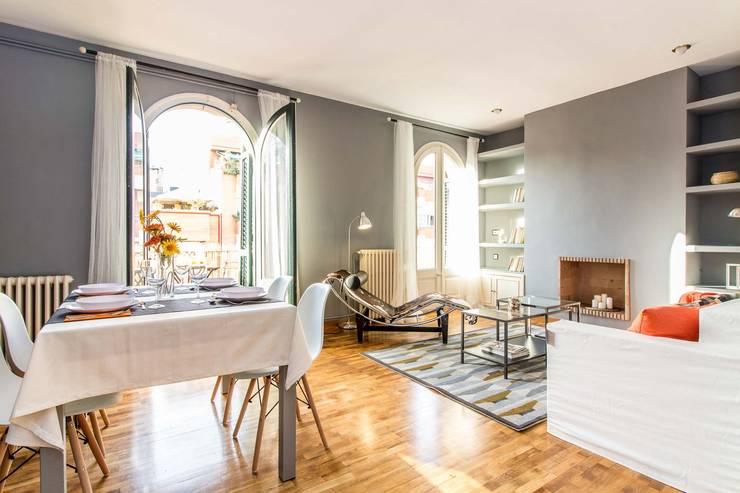 Comedor- salón: Comedores de estilo  de Impuls Home Staging en Barcelona