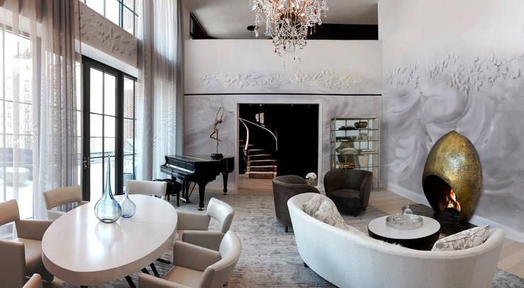 Living Room - 86th Street New York:  Living room by Joe Ginsberg Design