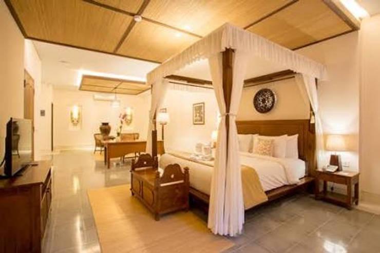 Visesa Ubud, Bali:  Bedroom by PT. Evata Furniture