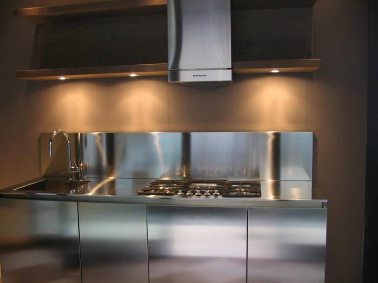 Piani di Lavoro in Acciaio Inox per Cucine Piccole