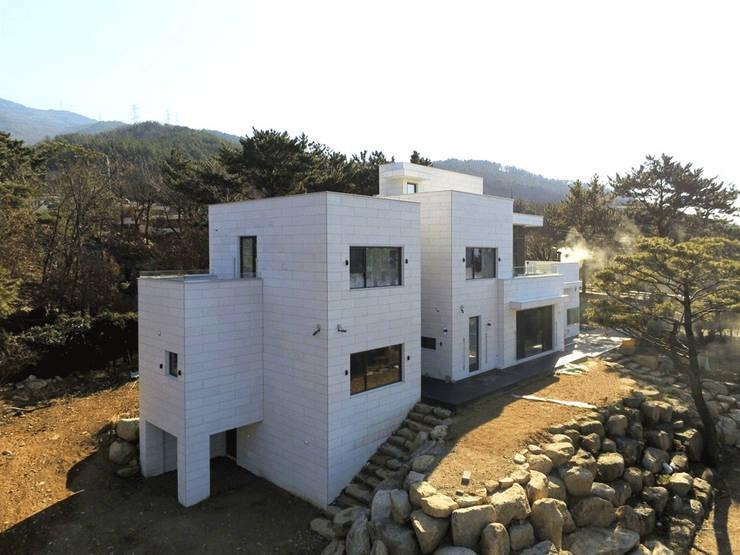 단신재(㡺甡齋) : 아익 건축의  전원 주택,