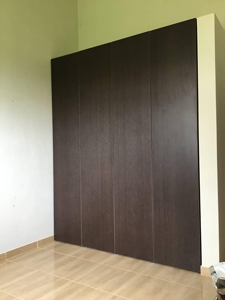 Closet 1: Closets de estilo  por ARDI Arquitectura y servicios