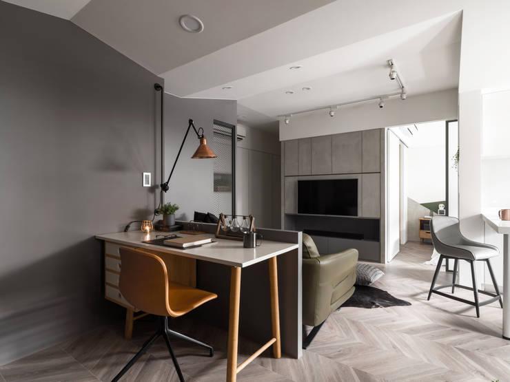 陸層:  書房/辦公室 by 寓子設計
