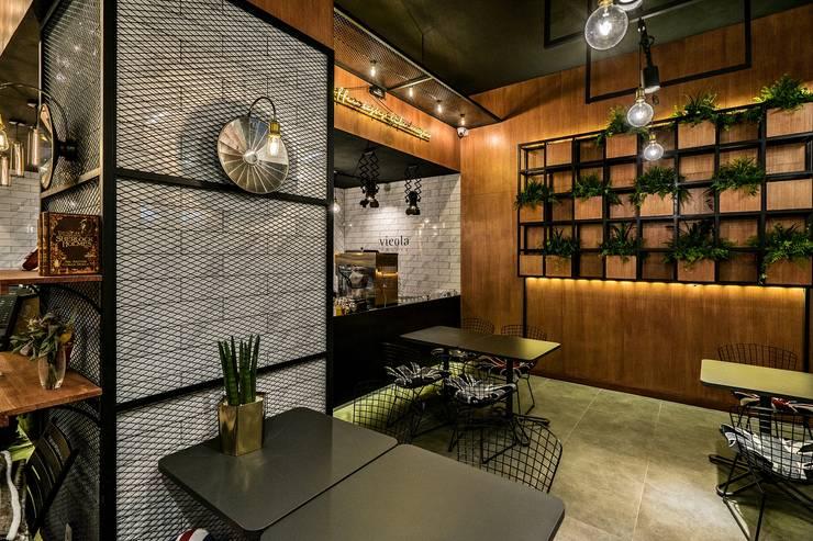 카페인테리어 Vieola coffee: im100 communications의  거실,
