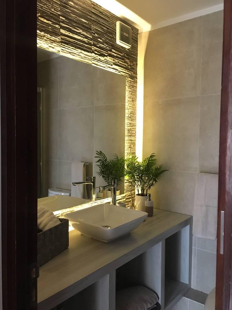 BAÑO HABITACIONES :  de estilo  por Kaa Interior | Arquitectura de Interior | Santiago