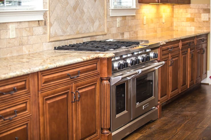 Kitchen Remodeling:  Kitchen units by Visign Remodeling