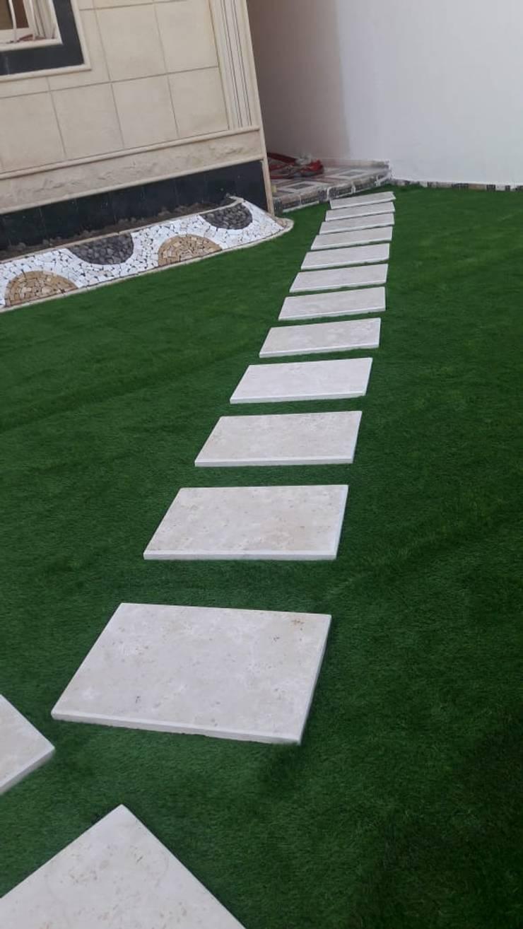 تصميم حدائق باشكال مختلفة :  فناء أمامي تنفيذ تنسيق الحدائق