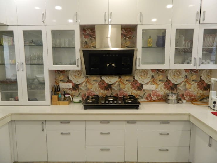 Kitchen & Interiors, Sector 46 Noida:  Built-in kitchens by hearth n home