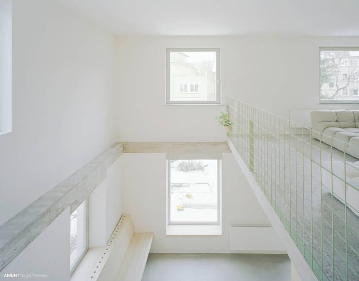 Salas de jantar  por AMUNT Architekten in Stuttgart und Aachen