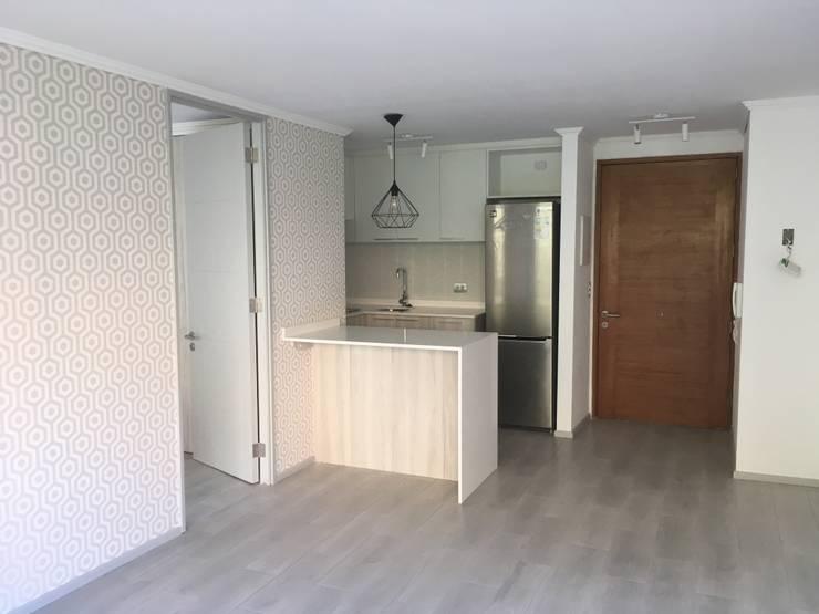 REMODELACION LIVING/COMEDOR DIARIO/ COCINA:  de estilo  por R-Innovare / Diseño de interiores y Arquitectura / Santiago y Viña del mar