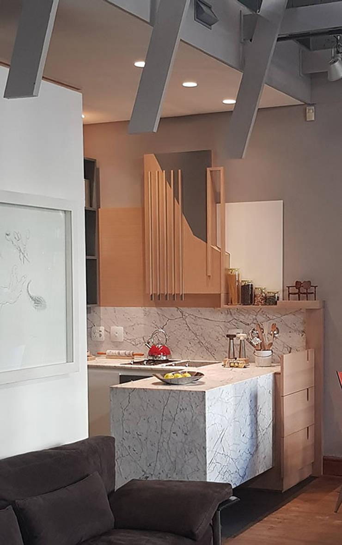 Kitchen Renovation:   by Inline Spaces Pty Ltd