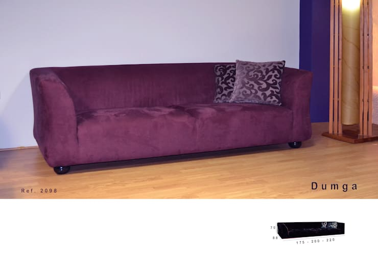 Sofá Dunga: Sala de estar  por Delarte - Fábrica de Estofos e Decoração Lda
