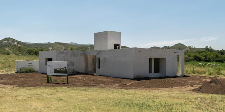 Single family home by 1.61 Arquitectos