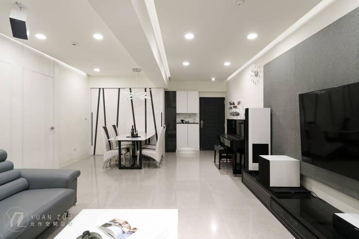 Pasillos y recibidores de estilo  por 元作空間設計 , Moderno