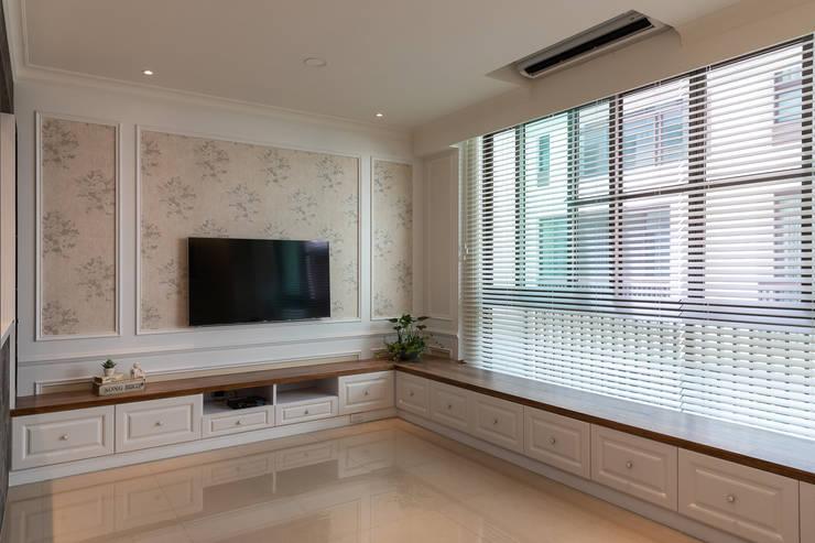 對話:  客廳 by 松泰室內裝修設計工程有限公司