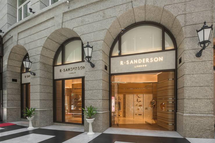 充滿英倫情人風的頂級品牌女鞋店:  窗戶與門 by On Designlab.ltd