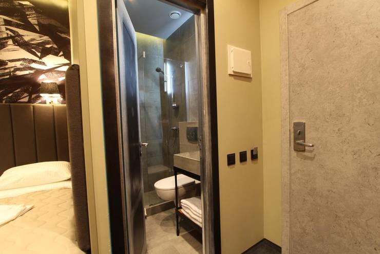 Бутик-отель в Москве|Boutique-hotel in Moscow|Butik-otel Moskova'da: Ванные комнаты в . Автор – Eli's Home