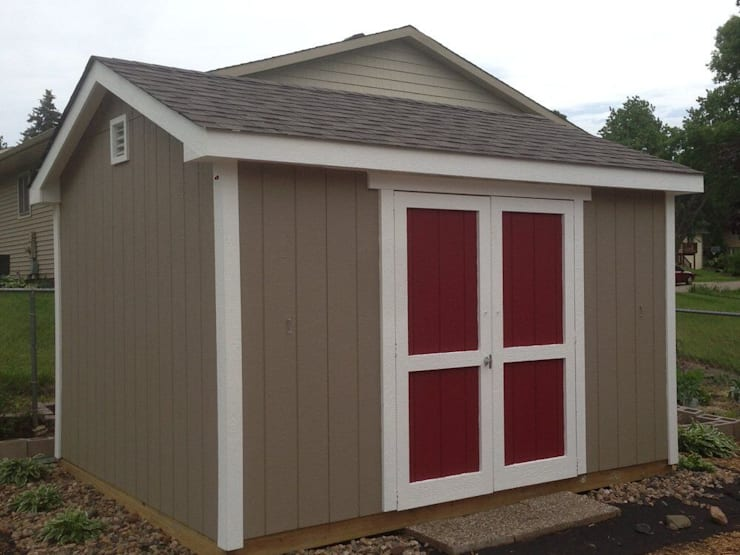 Building a Shed is NOT just for Pros: How to Do It Right: modern  by Zeitguest, Modern
