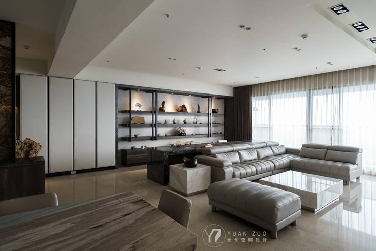 客廳及書房:  客廳 by 元作空間設計