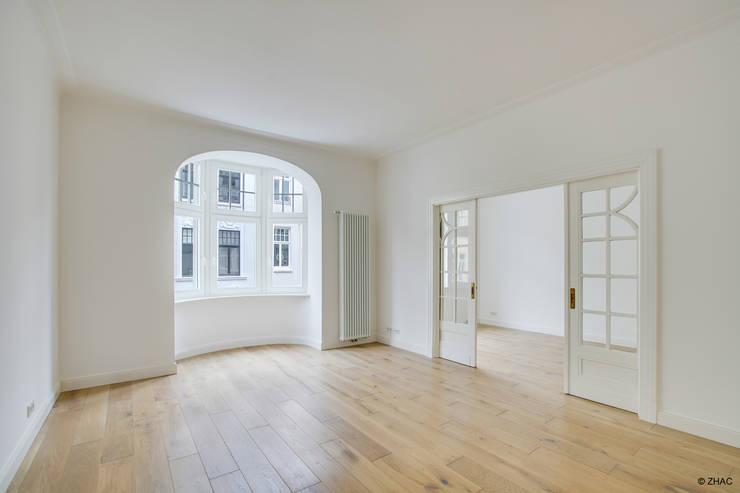 Gründerzeithaus A:  Wohnzimmer von ZHAC / Zweering Helmus Architektur+Consulting