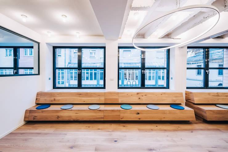 Bureaux de style  par ZHAC / Zweering Helmus Architektur+Consulting, Moderne