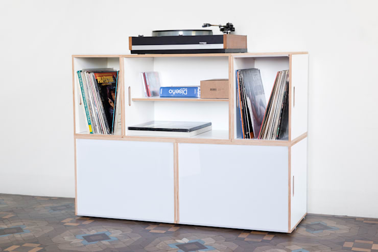 Mueble formado por BrickBox XL ideal para vinilos: Salones de estilo  de BrickBox - Portable Shelving Modular System
