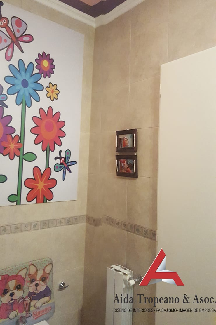 Habitación de Niña: Baños de estilo  por Aida Tropeano & Asoc.