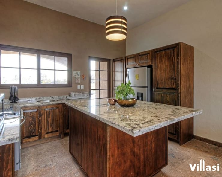 Cocinando: Cocinas equipadas de estilo  por VillaSi Construcciones