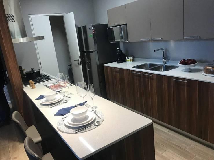 Cocina: Cocinas equipadas de estilo  por VillaSi Construcciones