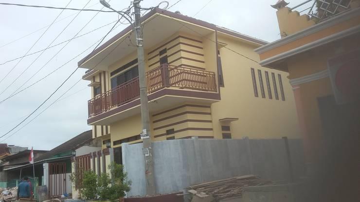 Rumah Pribadi Ibu Erda:  Rumah tinggal  by MODE KARYA