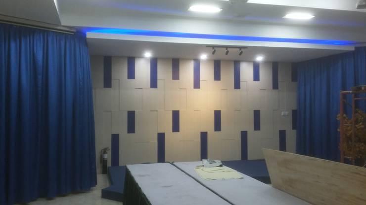 Backdrop Stage :  Study/office by MODE KARYA