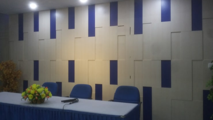 Backdrop:  Office spaces & stores  by MODE KARYA