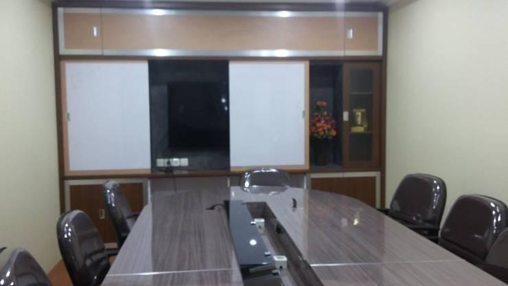 Meeting Room Furniture :  Study/office by MODE KARYA