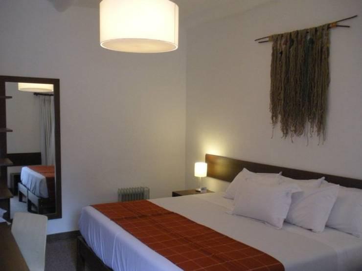 Dormitorio: Dormitorios de estilo  por Rodrigo León Palma,