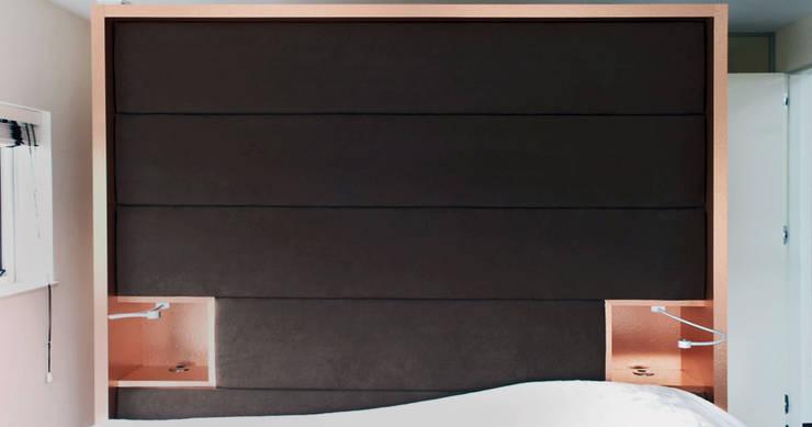 Penthouse interieur:  Slaapkamer door TEKTON architekten,