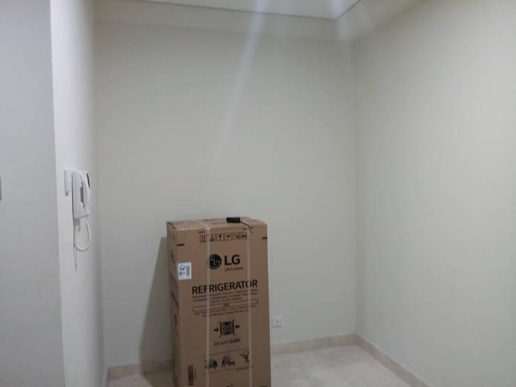 Apartment 1 Bedroom Puri :   by Tatami design
