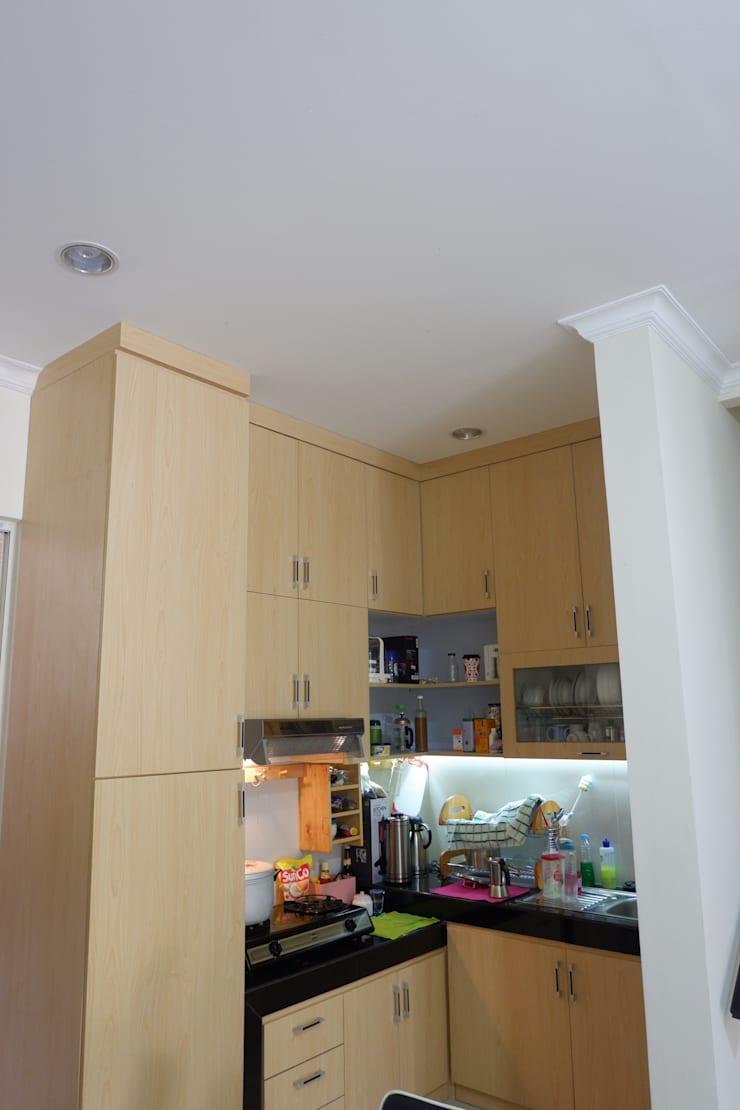 Kitchen (After):   by Tatami design